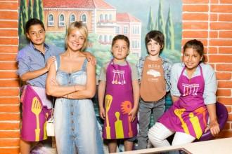 Виктория Манасир с Даной, Ромой, Алексом и Андрэ